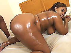 Chubby black slut gets fucked intensely