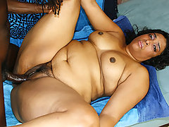All natural chubby black housewife getting her hole hammered