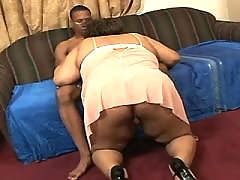 Bombshell ebony big lady takes up cock