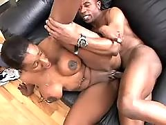 Black plump woman vixen takes care of dick